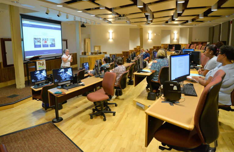 Longwood professor conducts an information session about new Longwood University bachelor's degree programs coming to the SVHEC.