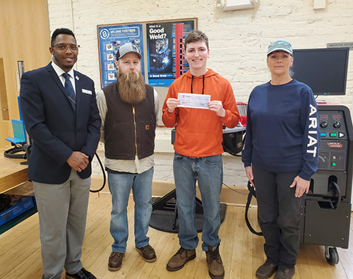 Welding@SVHEC trainee Nathan Thomas is presented with a $1,000 scholarship from the American Welding Society (AWS) Foundation.